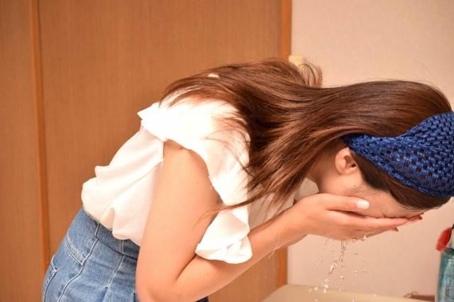 基礎化粧品・オイルを見直し、敏感肌予防。